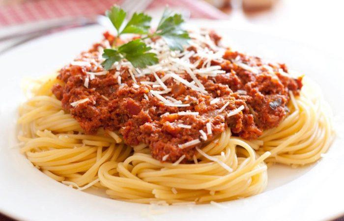 italian cooking lessons alba spaghetti alla bolognese