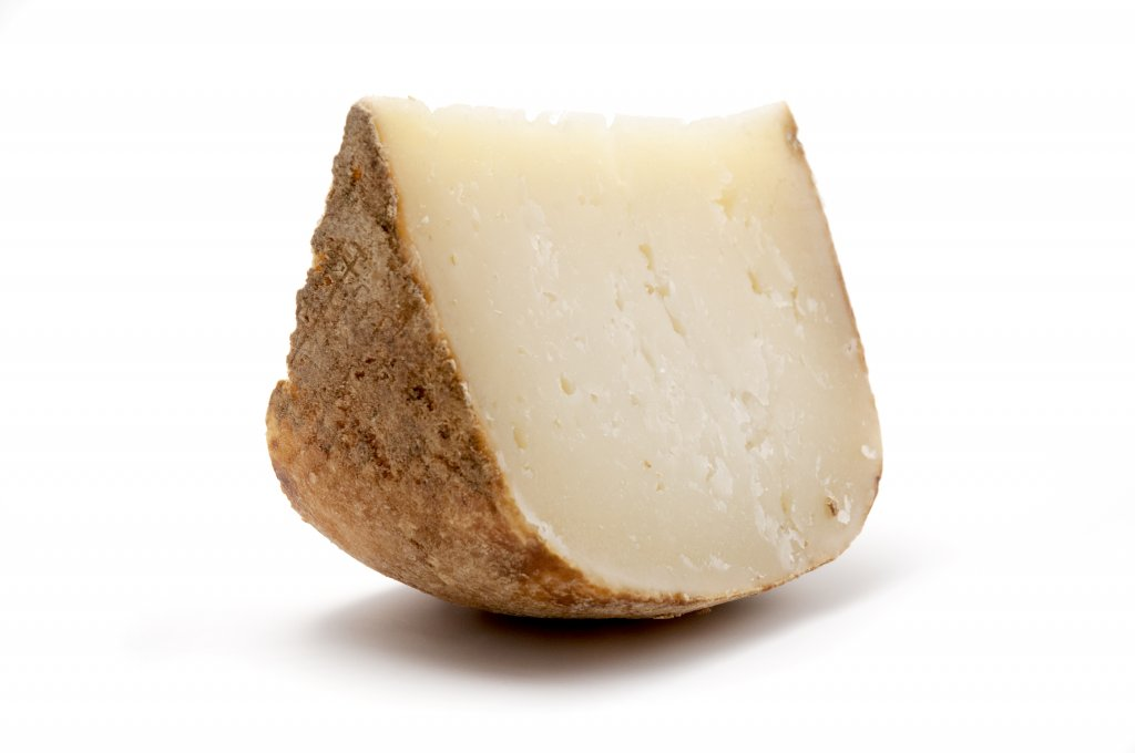 lunch in langhe with shepherd pecorino cheese